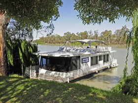 Moving Waters Self Contained Moored Houseboat - Accommodation 4U