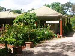Treetops Bed And Breakfast - Accommodation 4U