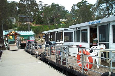 Clyde River Houseboats - Accommodation 4U